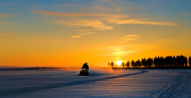 Snowmobile Package #1 (1 night + breakfast)