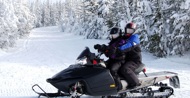 Snowmobile Package #2 (1 night + dinner + breakfast)